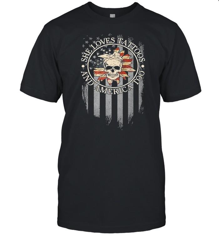 Skull she loves tattoos and america too shirt Classic Men's T-shirt
