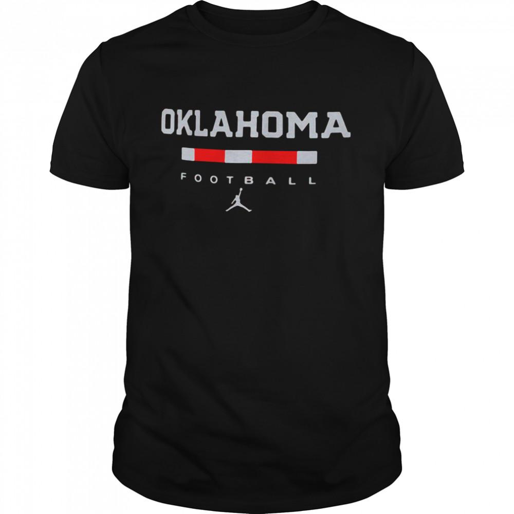 Oklahoma Sooners Team Football  Classic Men's T-shirt